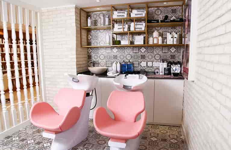 ladies beauty salon for hair treatment in dubai