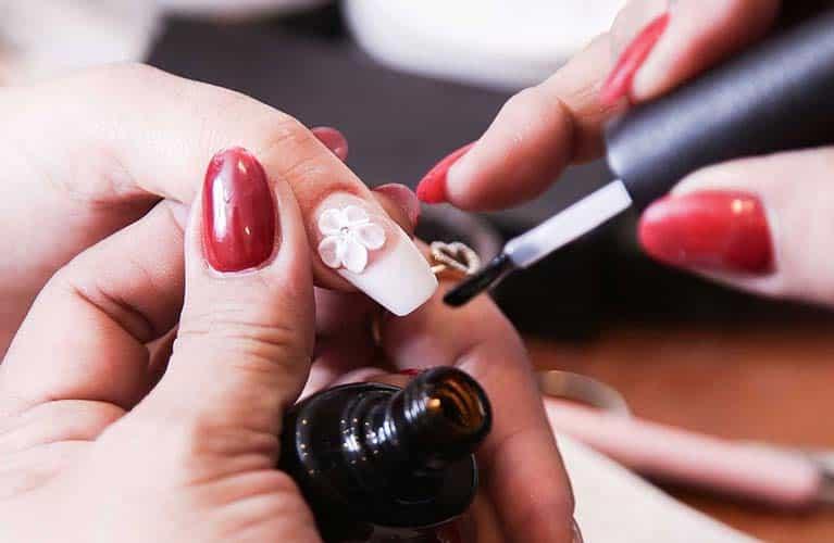 nail art salon dubai